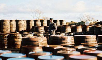 Glenmorangie Man outside in barrels