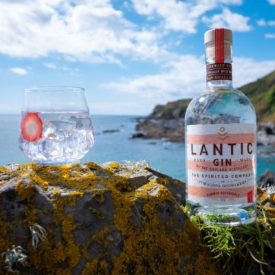 Lantic Summer Foraged Gin on rocks with serve
